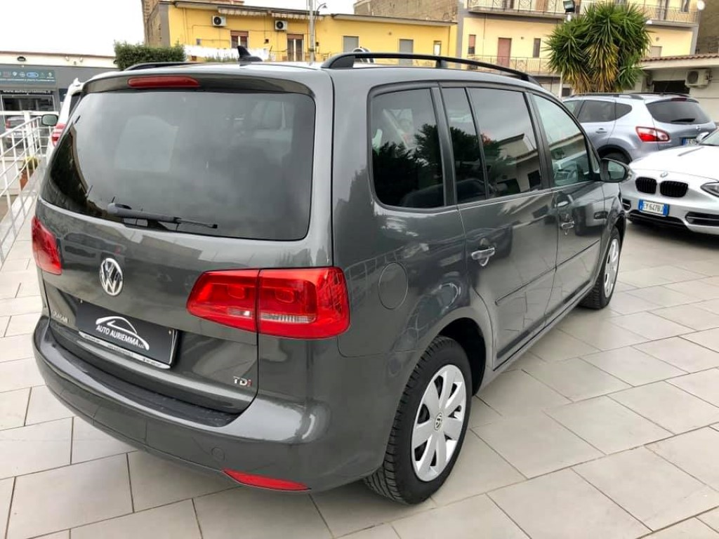 Volkswagen Touran 1600 TDI BUSINESS